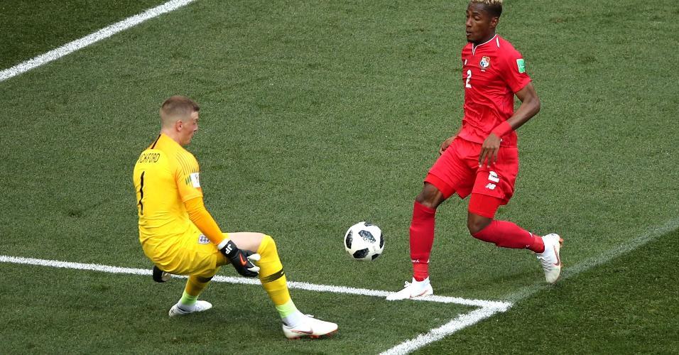 Michael Murillo, da seleção do Panamá, tem boa chance, mas goleiro Jordan Pickford salva para a Inglaterra