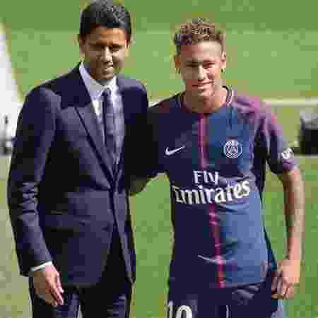 Nasser Al- Khelaifi, presidente do Paris Saint-Germain, ao lado de Neymar - Reprodução