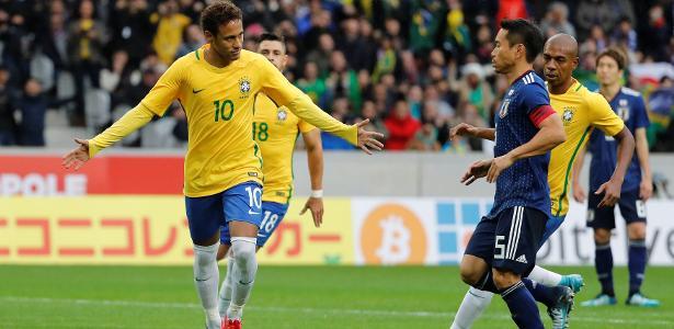 Neymar comemora após abrir o placar pelo Brasil contra o Japão