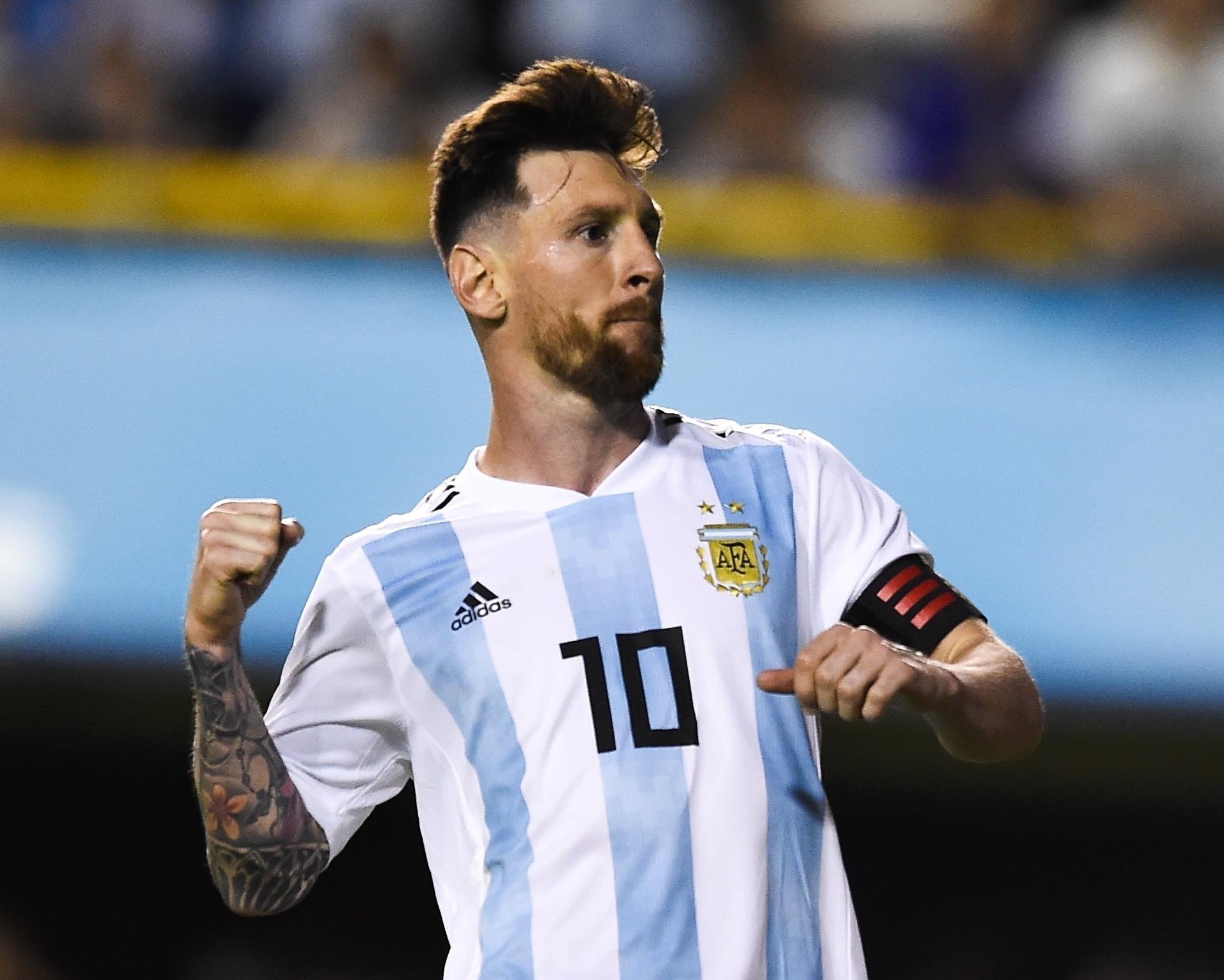 7740e115e3 Copa do Mundo 2018  Messi faz três