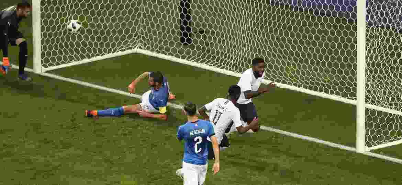 França bate a Itália e empolga torcedor com bom futebol em teste para Copa ff30ce2655cee