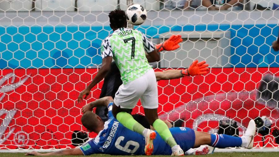 Musa durante jogo contra Islândia na Copa do Mundo da Rússia - Jorge Silva/Reuters