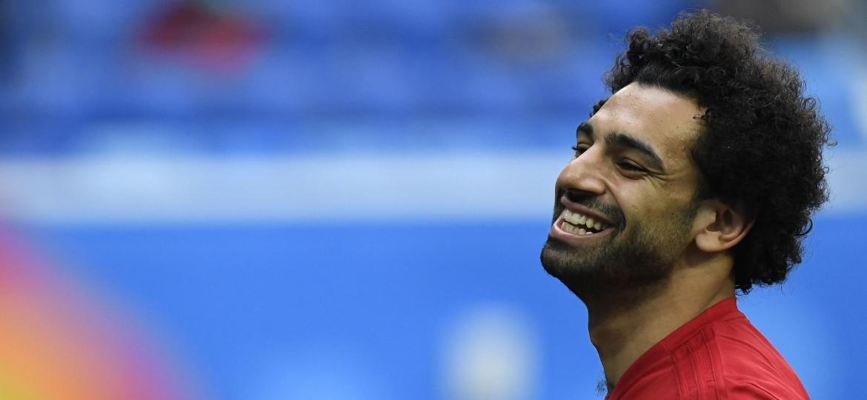 Estrela da seleção egípcia foi poupada do primeiro jogo da Copa e deve estrear nesta terça-feira, às 15h, contra a Rússia - Christophe Simon/AFP