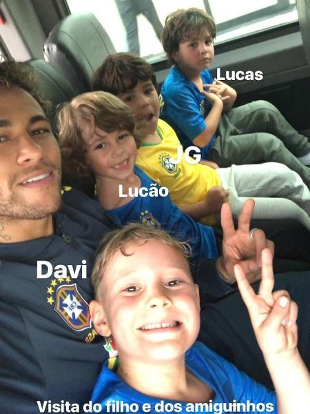 Neymar recebe visita de seu filho Davi Lucca na Granja Comary - Reprodução/Instagram