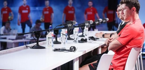 b81deef6dc Polônia na Copa 2018  Polônia chega à Rússia e Lewandowski sonha em pôr  time na história do país - UOL Copa do Mundo 2018