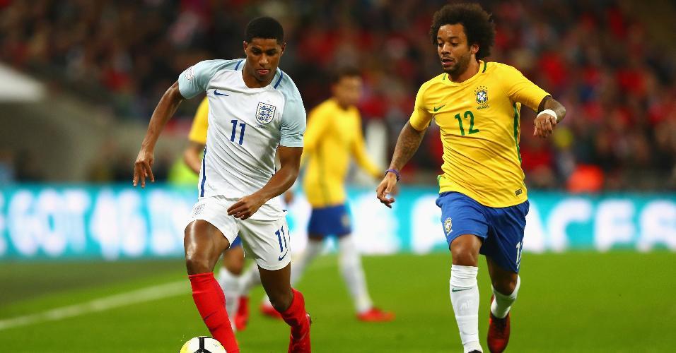 Marcelo e Marcus Rashford disputam lance em Inglaterra x Brasil