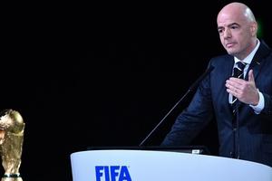 Presidente da Fifa diz que comissão de árbitros responderá protesto da CBF (Foto: Mladen Antonov/AFP)