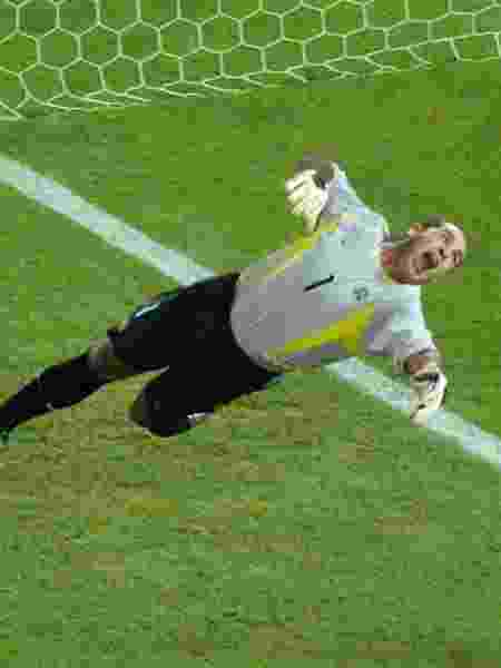 Marcos faz defesa durante final da Copa do Mundo de 2002 contra a Alemanha - Oleg Popov/Reuters