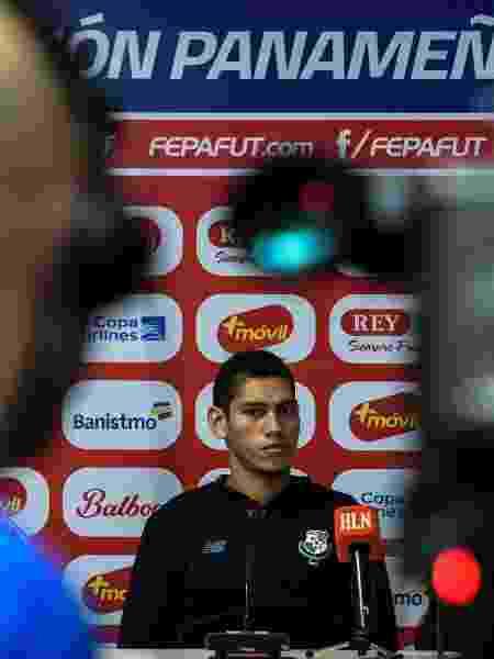 Valentín Pimentel, meia da seleção do Panamá, durante entrevista coletiva - JUAN BARRETO/AFP