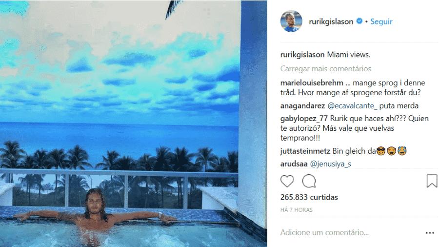 O galã Rurik Gislason em piscina em Miami - Reprodução Instagram