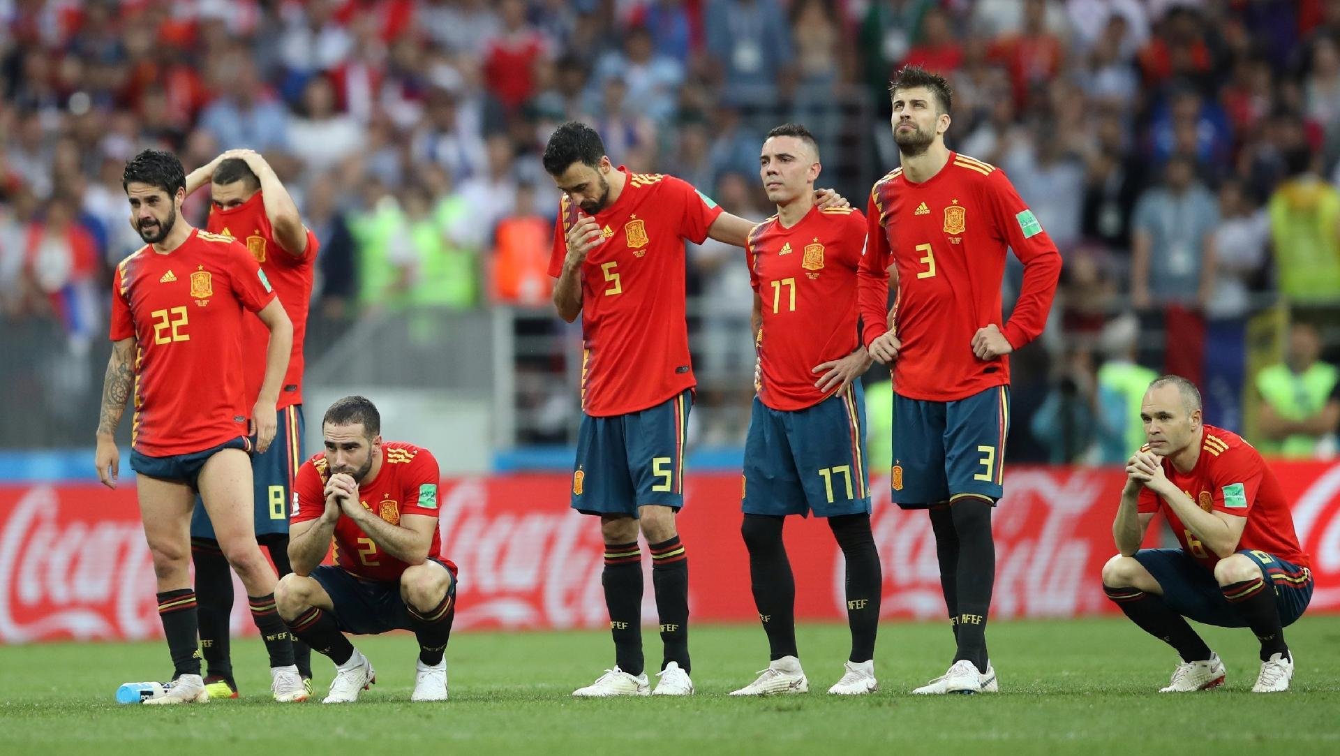 0e584b10c0 Espanha na Copa 2018  Jornal reprova maior parte da seleção espanhola  só  um é elogiado - UOL Copa do Mundo 2018