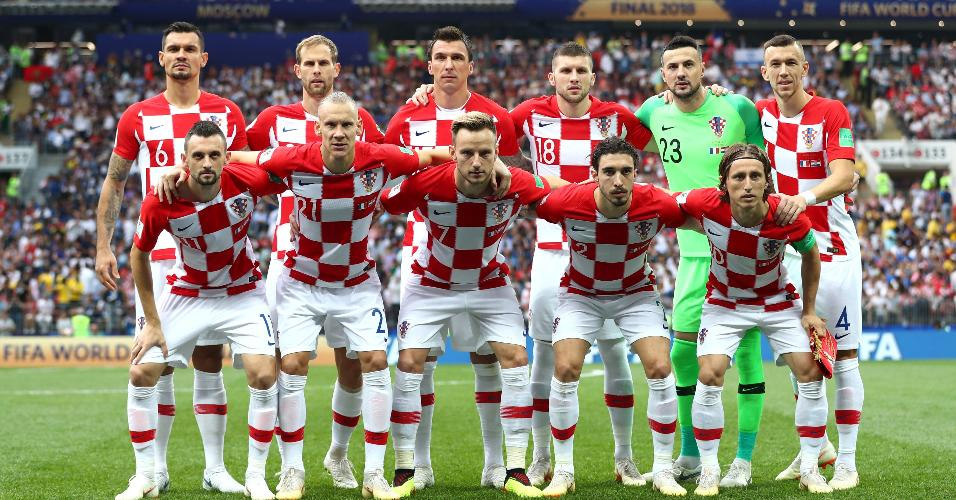 Time da Croácia posa antes de final contra França