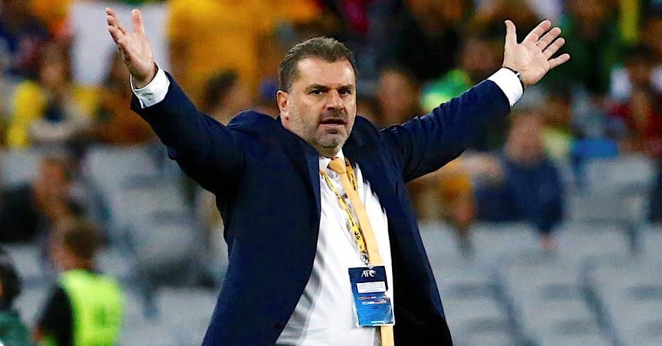 O técnico Ange Postecoglou pediu demissão da seleção da Austrália