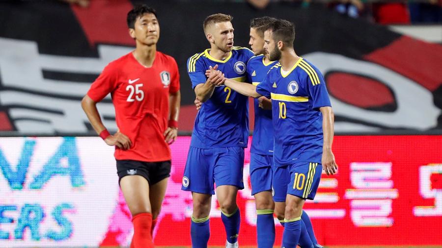 Edin Visca marcou os três gols da Bósnia no amistoso disputado na Coreia do Sul - Reuters