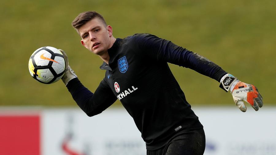 O goleiro Nick Pope treina pela seleção da Inglaterra - Andrew Boyers/Reuters