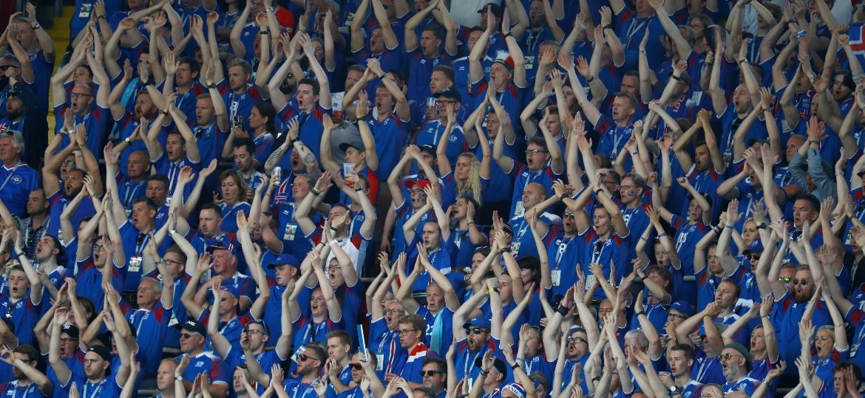 Torcida da Islândia durante partida contra a Argentina - Kai Pfaffenbach/Reuters