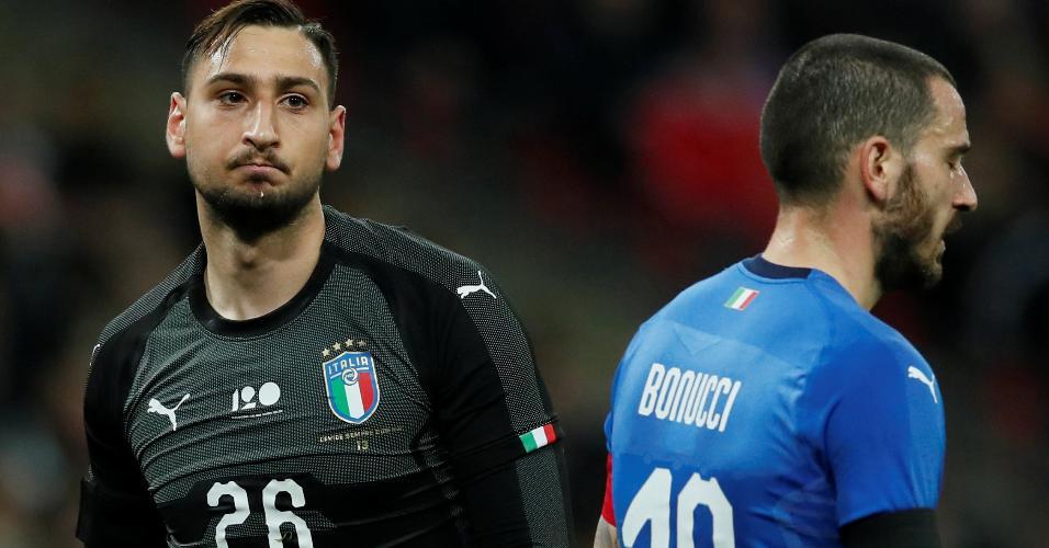 Donnarumma e Bonucci durante a partida da Itália contra a Inglaterra