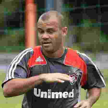 Atacante Roni, ídolo do Fluminense, aposentou-se em 2012, aos 34 anos - Photocamera