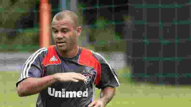 O atacante Roni, ex-Fluminense, atuou com Aloísio na Rússia - Photocamera