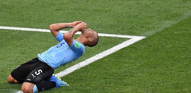Volante Carlos Sánchez defende a seleção uruguaia na Copa do Mundo da Rússia