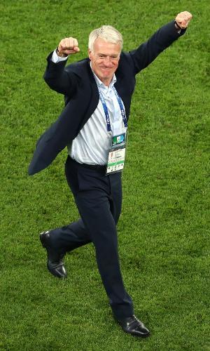 Didier Deschamps, técnico da França, comemora vitória sobre a Bélgica
