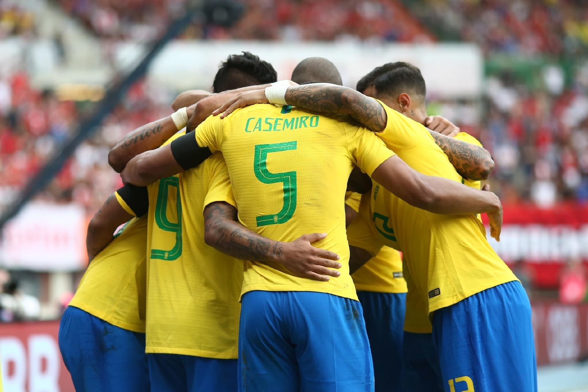 670ba5d61325f Seleção estreia na Copa de amarelo e enfrentará Costa Rica inteira de azul  - 15 06 2018 - UOL Esporte