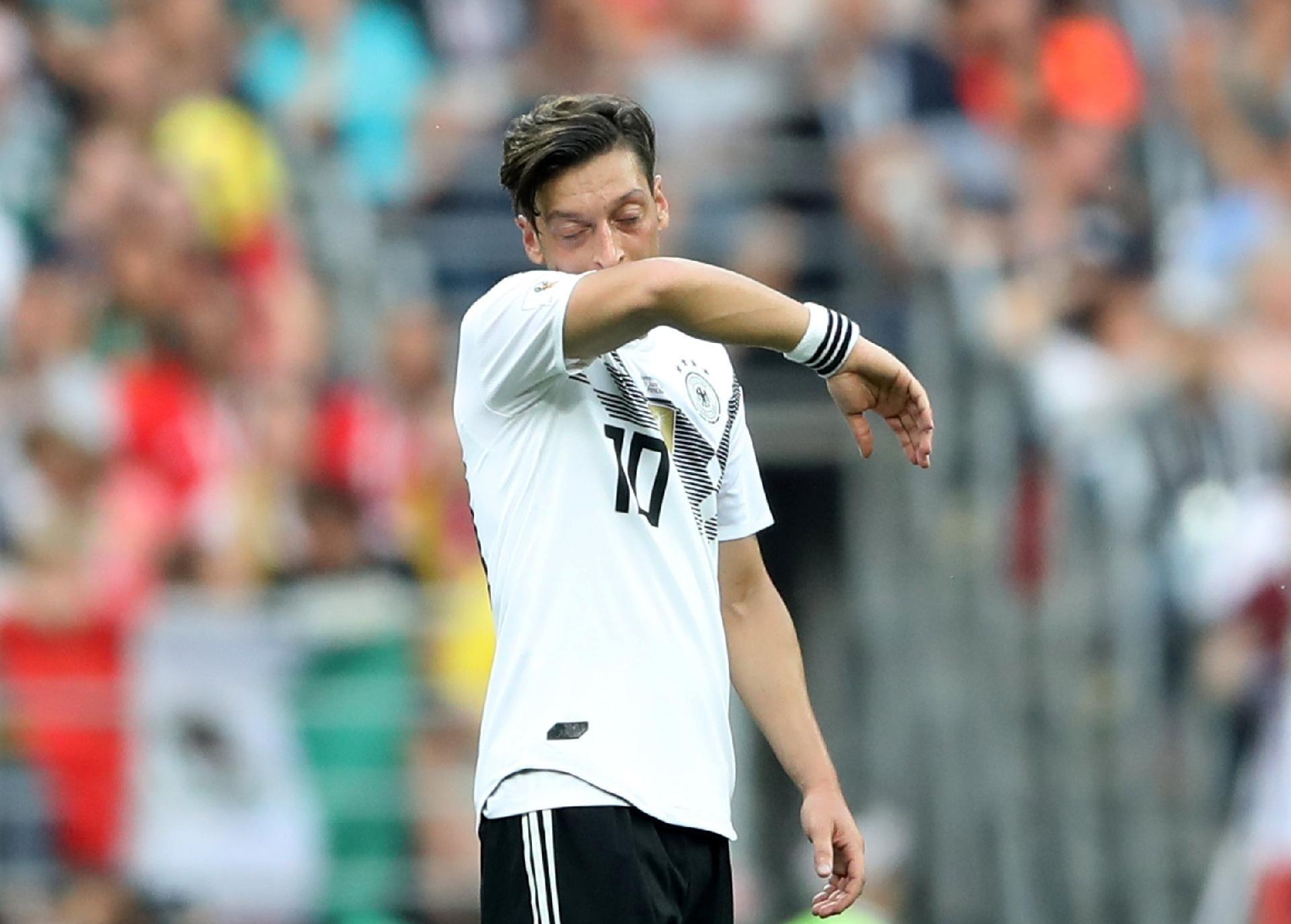 Alemanha na Copa 2018  Após polêmica 05e0ca5ea982d