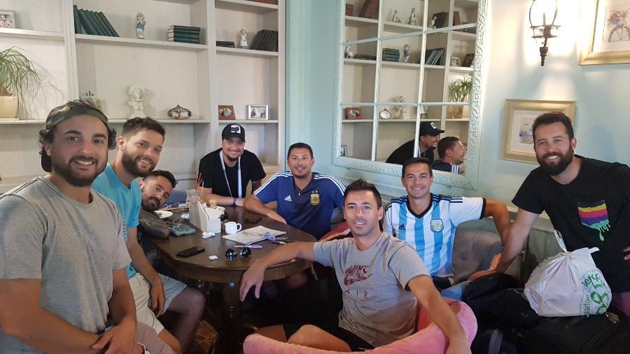 Torcedores argentinos estão em Kazan, mas não sabem como vão embora  - Marcel Rizzo/UOL
