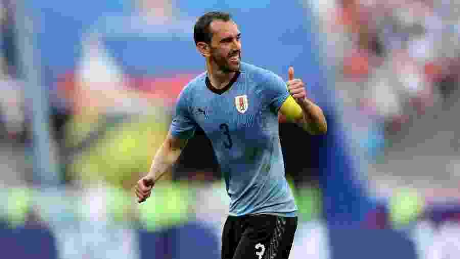 Diego Godín é zagueiro uruguaio e pode trocar a Inter de Milão pelo Tottenham - Simon Hofmann - FIFA/FIFA via Getty Images
