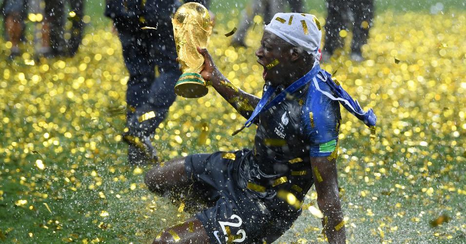 Benjamin Mendy, jogador da França, faz festa após a conquista da Copa do Mundo