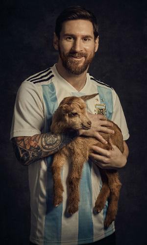 Messi posa com bode para capa da revista