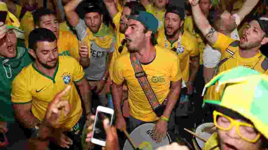 Torcida recepciona a seleção brasileira em Samara - Lucas Figueiredo/CBF