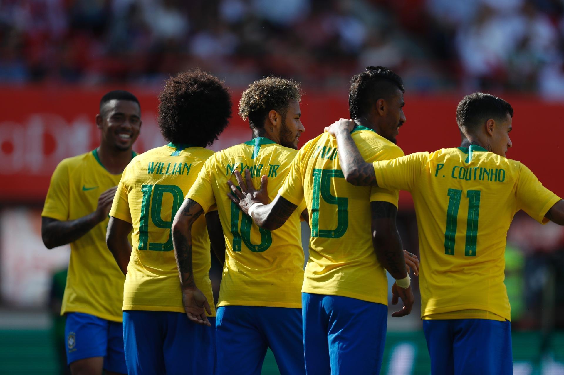 Neymar x Ronaldinho   [ eu que fiz, porra, olha ai e diz oq acha, NAMORAL]  Neymar-comemora-gol-contra-a-austria-com-willian-coutinho-gabriel-jesus-e-paulinho-1528934186502_v2_1920x1279