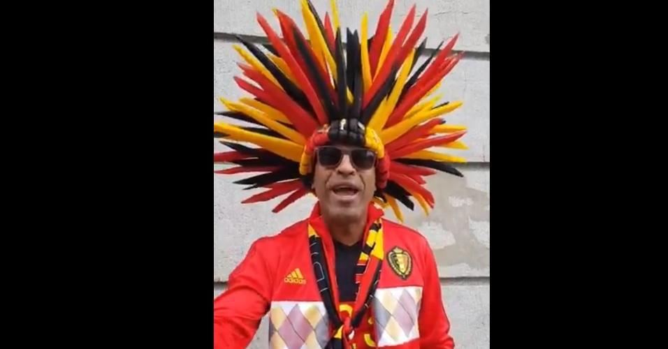 Torcedor belga mostra fantasia para partida contra França