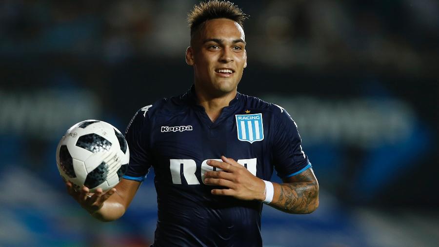 Martínez fez três gols em jogo observado de perto por Sampaoli - Demian Alday/Getty Images