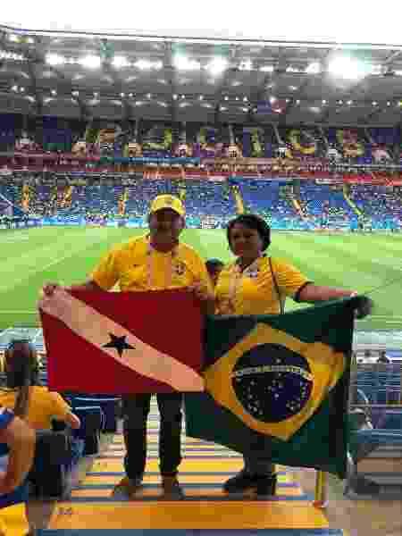 Adélcio Torres, presidente da Federação Paraense, acompanha o jogo da seleção com a esposa - Divulgação/FPF