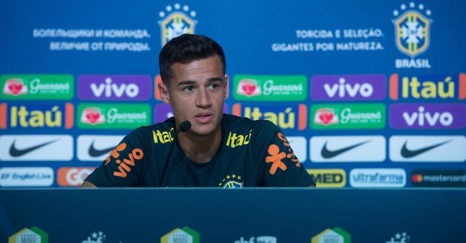 Philippe Coutinho concede entrevista coletiva após treino da seleção brasileira