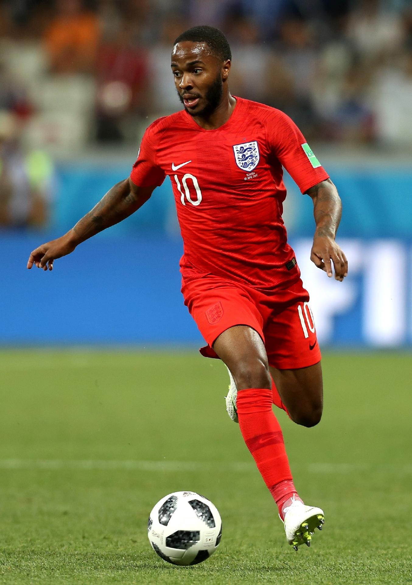 Polêmicas e jogos ruins podem tirar titularidade de Raheem Sterling na  Inglaterra contra o Panamá b102cf2e8543d