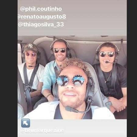 Neymar posta foto em helicóptero ao lado de Coutinho, Renato Augusto e Thiago Silva - Reprodução/Instagram