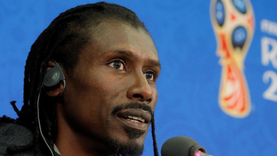 Aliou Cissé, técnico de Senegal, concedeu entrevista nesta segunda-feira (18) - REUTERS/Maxim Shemetov