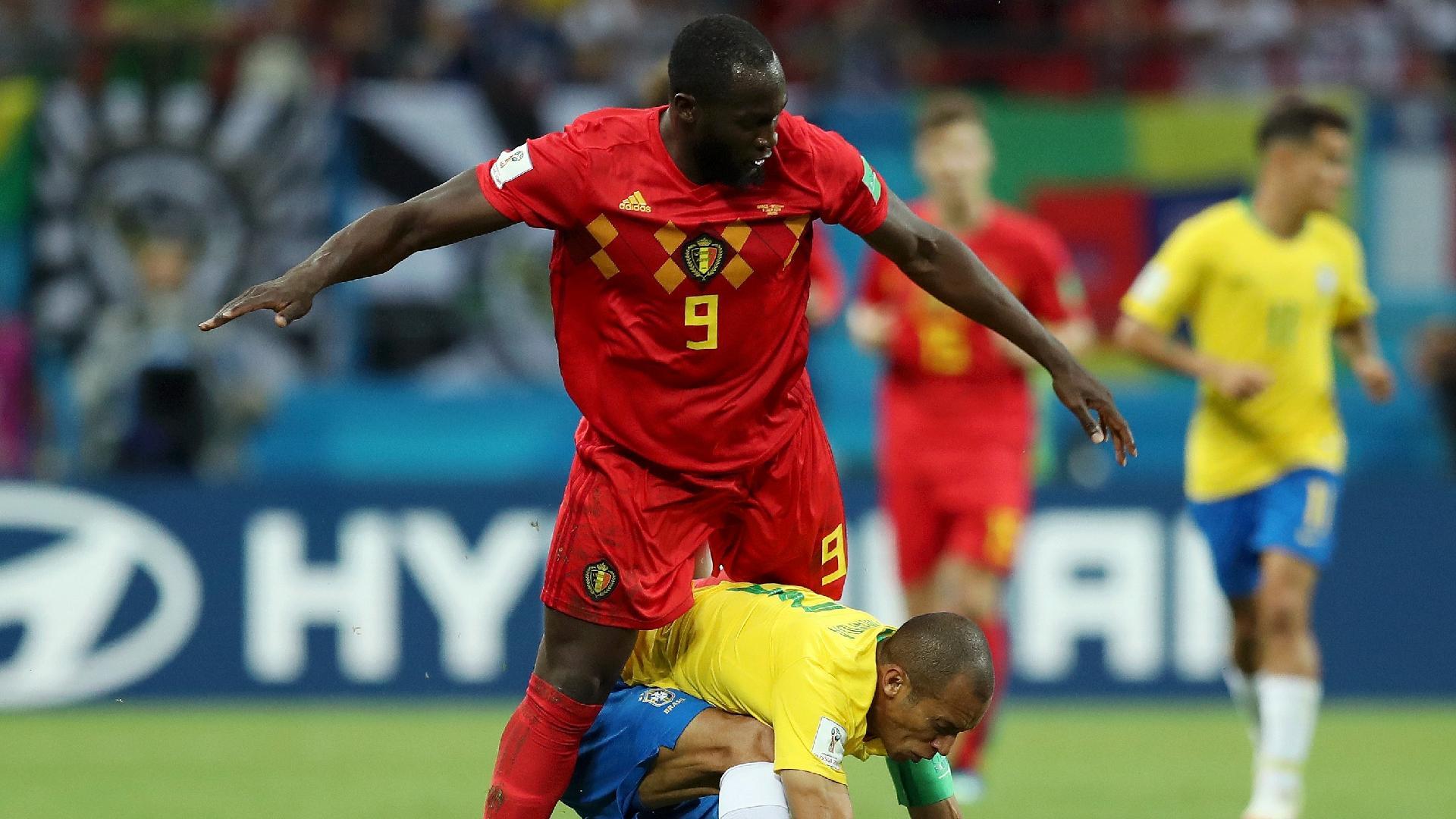 Lukaku Miranda Brasil Bélgica queda