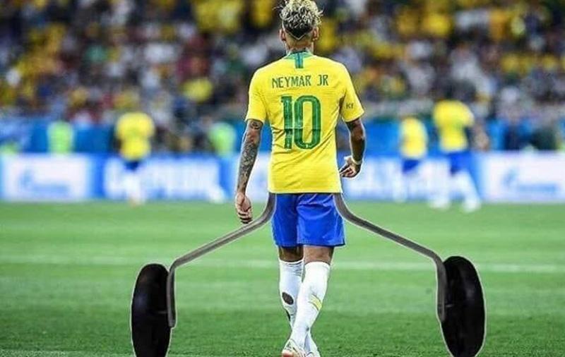Neymar jogou bem e conseguiu evitar o excesso de quedas em campo