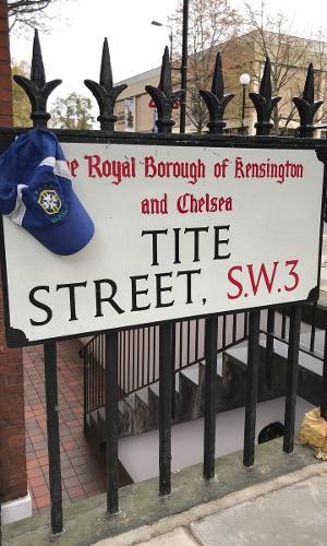 Torcedor do Corinthians, Alessandro mora próximo à Rua Tite, no bairro Chelsea, em Londres.