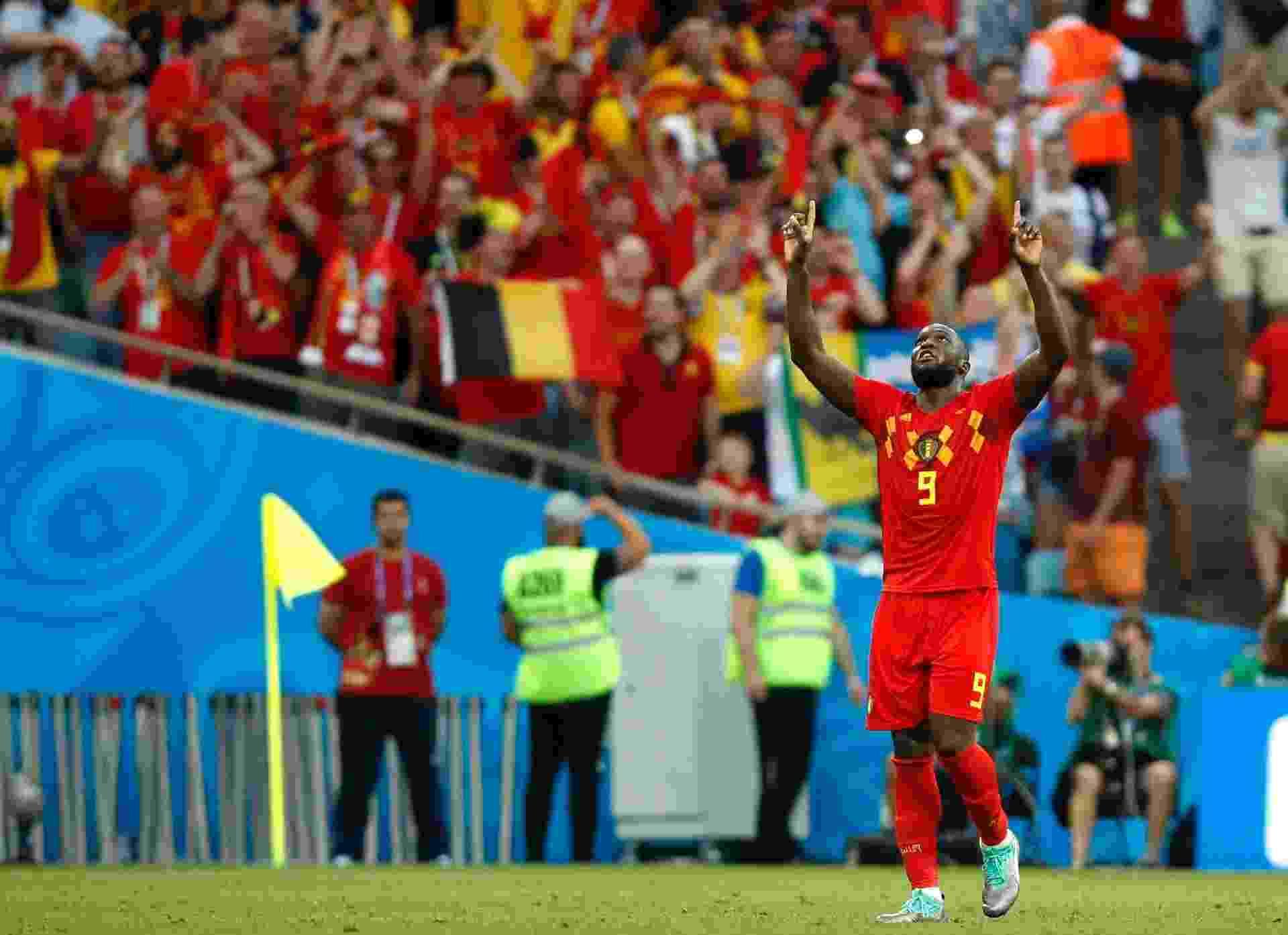 Lukaku comemora e agradece após marcar o segundo gol da Bélgica sobre o Panamá - Julian Finney/Getty Images