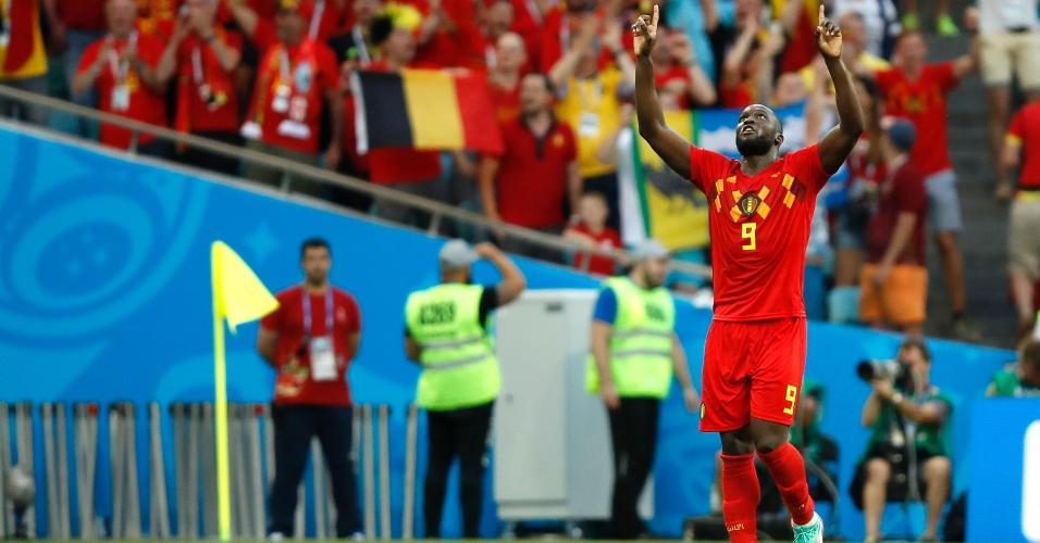 Lukaku comemora e agradece após marcar o segundo gol da Bélgica sobre o Panamá