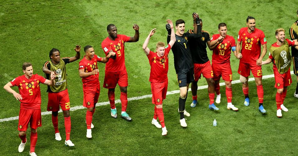 Jogadores da Bélgica celebram classificação à semifinal da Copa após vitória contra o Brasil