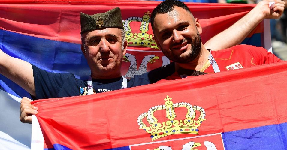 Torcida da Sérvia prestigia seleção para duelo contra a Costa Rica