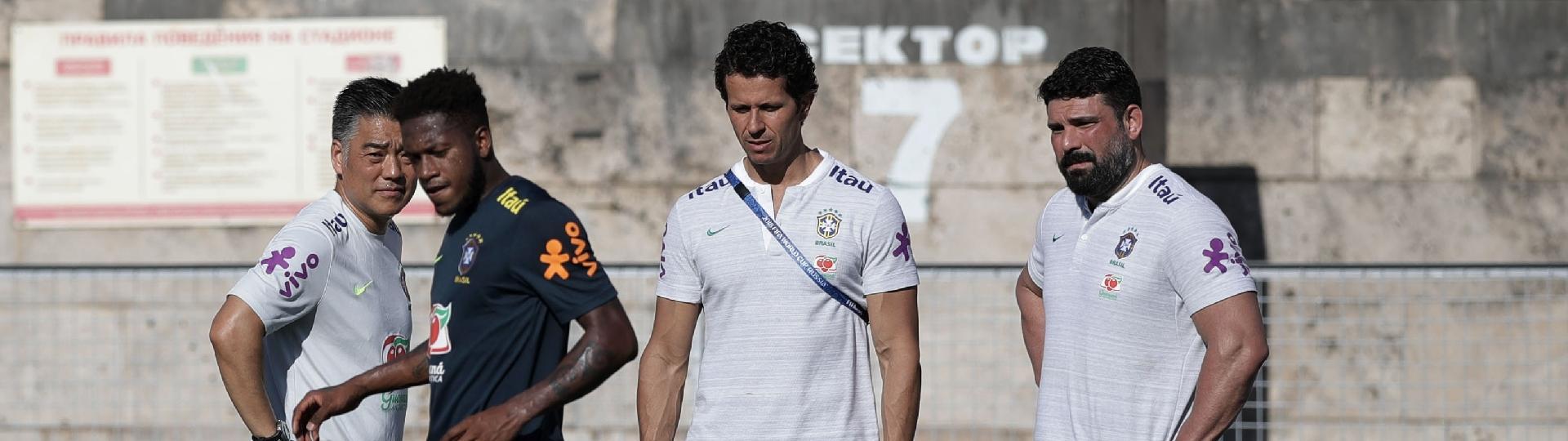 Fred treina separado em atividade da seleção brasileira em Sochi