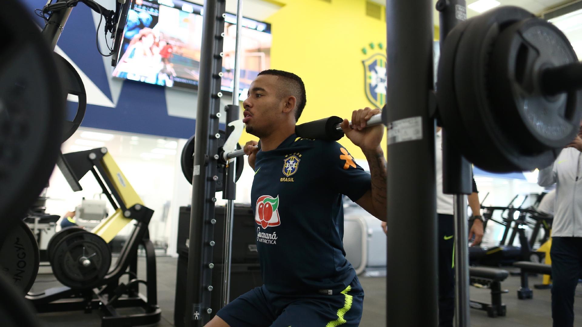 Gabriel Jesus passa por avaliação física na seleção brasileira