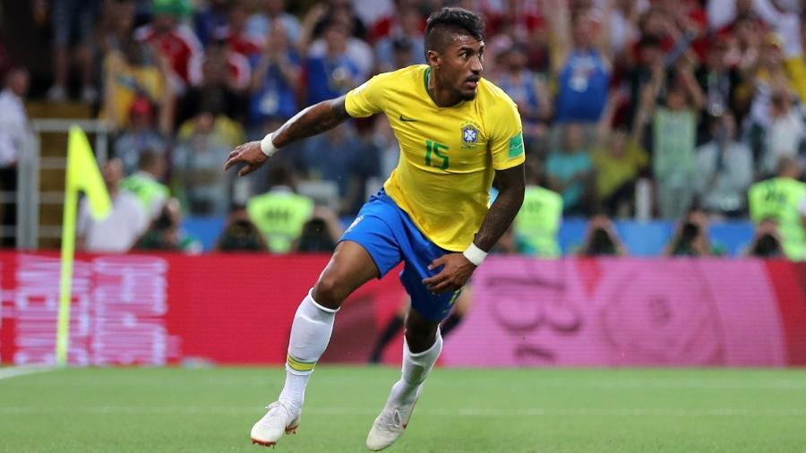Paulinho comemora gol do Brasil contra a Sérvia; volante saiu do estádio reclamando das críticas - Simon Hofmann - FIFA/FIFA via Getty Images